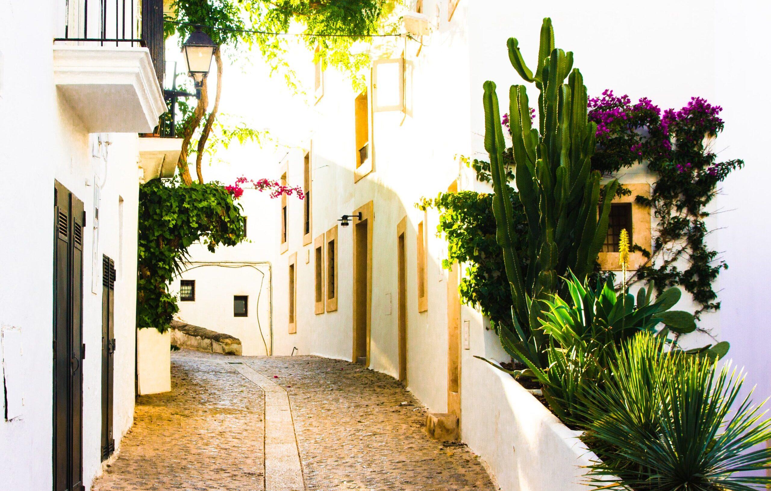 Off-plan vs. Re-sale properties in Spain